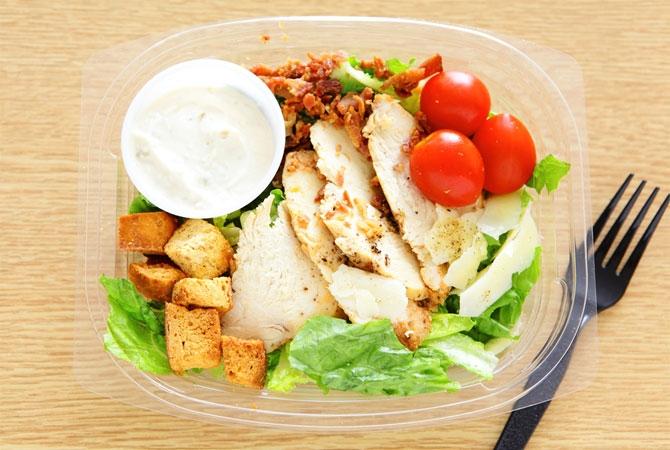 Mozzarella & Pesto Salad V (v)